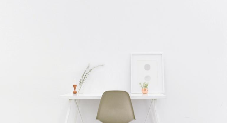 minimalism stress
